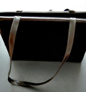 Классическая черная сумочка