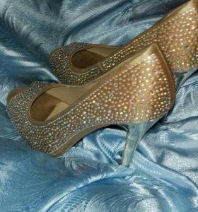 Туфли (40 размер)