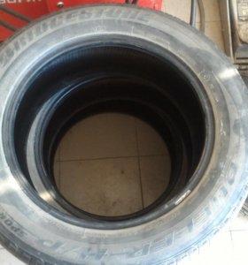 Bridgestone Dueler H/P Sport 215/60/R17