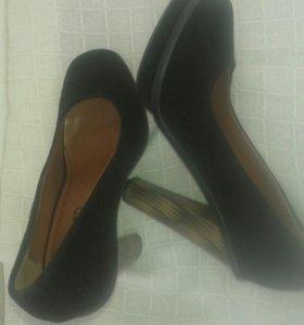 Продам туфли (замшевые)