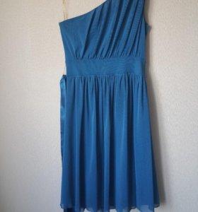 Платье на одно плечо