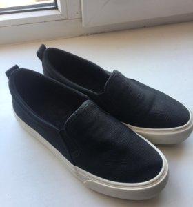 Ботинки женские. Bershka