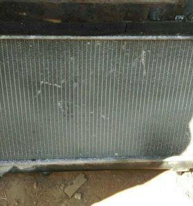 Радиатор охлаждения двс Mazda 323,famalia,protege