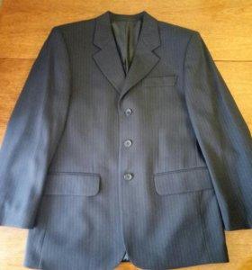 Продам костюм выпускника