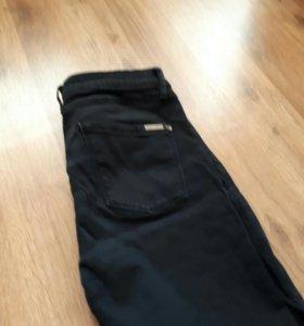 Брюки джинсы черные