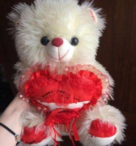 Мягкая игрушка медведь; заяц; поющий медведь.