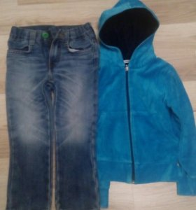 Велюровая кофта и джинсы