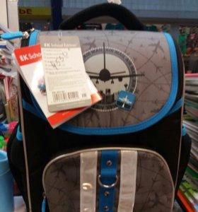 Портфели рюкзаки новые