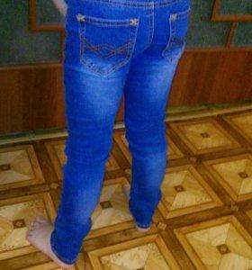 Классные джинсы для девочки Zara