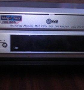 Видиомагнитофон LG l 227