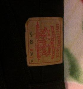 Продам Levi's, демисезонные, чёрные размер 34-34