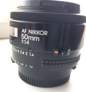 Объектив 50 мм 1.4