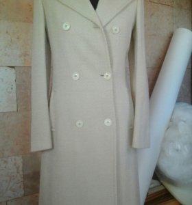Пальто демисезонное б/у.
