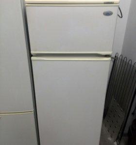 Холодильник Атлант . На гарантии