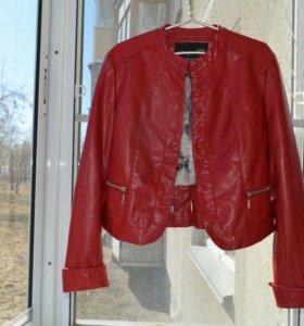 Укороченный женский пиджак из перфорированной кожи