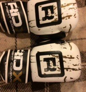 Боксёрские перчатки + шлем