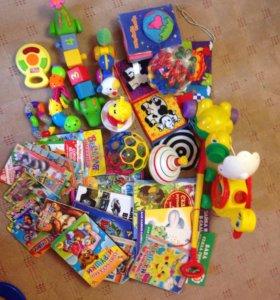Пакетом игрушки 1+
