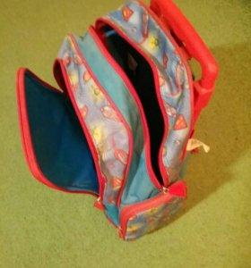 Детский рюкзак чемодан на колесиках