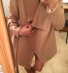 Телесное пальто