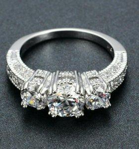 Серебряное кольцо новое