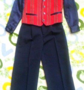 Нарядный костюм на мальчика 3-5 лет