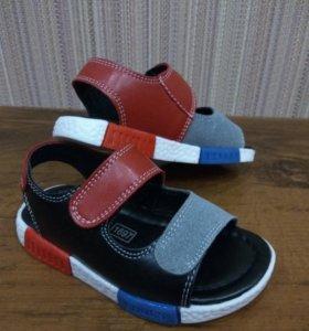 Новые сандалии, натуральная кожа