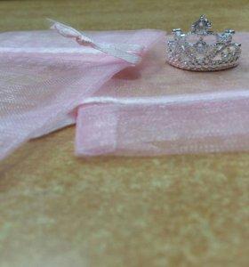 Новое кольцо корона.очень красивое.