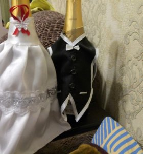Свадебные украшения на бутылки шампанского