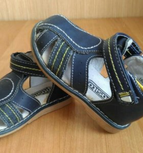 Детская обувь (сандали р-р 20)
