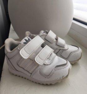 Кроссовки adidas original детские