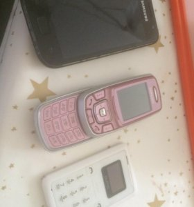 Телефоны 2 Samsung и Qumo
