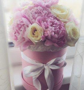 15 шт. Пионы и розы в шляпной коробке