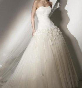 Пышное свадебное платье (айвори)