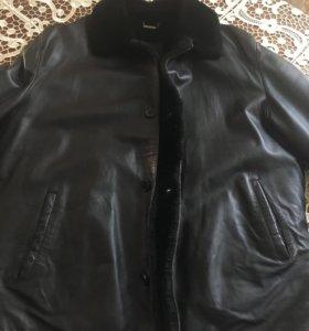 Куртка кожаная . Зимняяя. Производство италия .