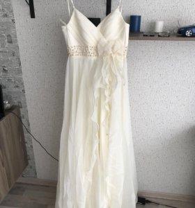 свадебное платье( можно как выпускное)