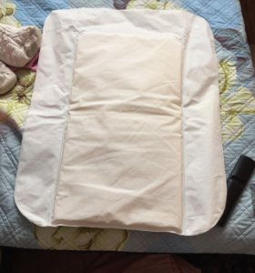 Надувной пеленальный