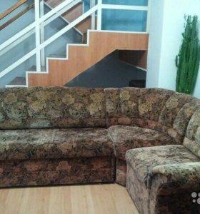 Угловой диван,кресло