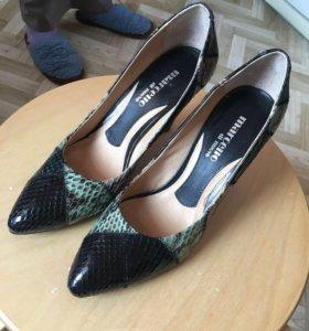 Новые кожаные туфли 38р