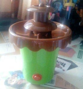 Шоколадный фонтан. Набор для фондю.