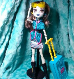Куколка Monster High