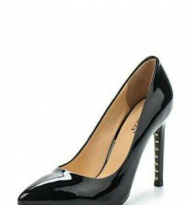Туфли VITACCI на 38 размер