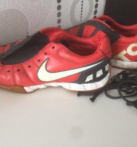 Кроссовки Nike T90