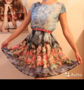 Платье Турция яркое,приталенное