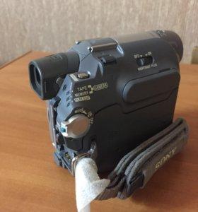 Видеокамера Sony DCR-HC32E