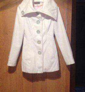 Продаю пальто и платье 42 размера