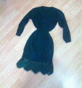 Платье с кружевом зеленого цвета