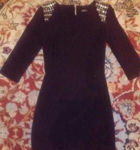 Платье 42р-р,в идеальном состоянии