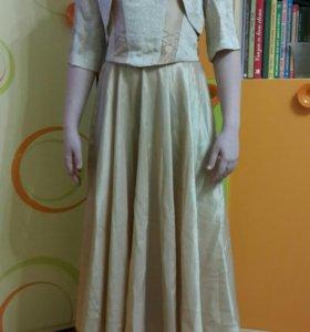 Красивое платье-костюм