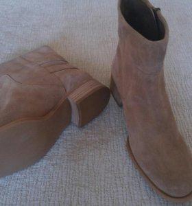 Ботинки новые Nine West