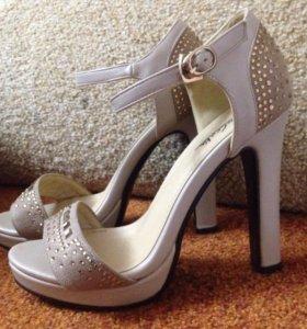 Обувь Туфли/Босоножки
